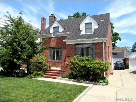 1,111 sq.ft. Single family home, Whitestone, New York